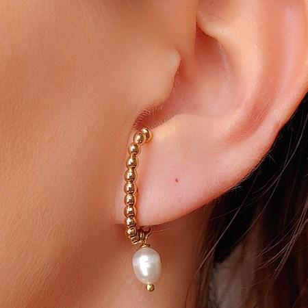 BRINCO EAR HOOK DE MINI BOLINHAS COM PÉROLA BM327-O